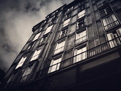 (jacques.missud) Tags: paris blackwhite nuit fenetres