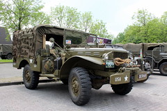 1944 Dodge WC 52 (Davydutchy) Tags: netherlands truck army ride military may nederland hobby voiture wc lorry vehicle dodge frise rit heer convoy paysbas friesland 52 armee leger niederlande militr reenacting lkw 2016 frysln militair frisia rondrit langweer tocht langwar kolonne wc52 poidslourd legervoertuig legergroen