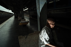 #08 (Sakulchai Sikitikul) Tags: street station train thailand sony flash voigtlander 28mm platform streetphotography oldman snap songkhla a7s