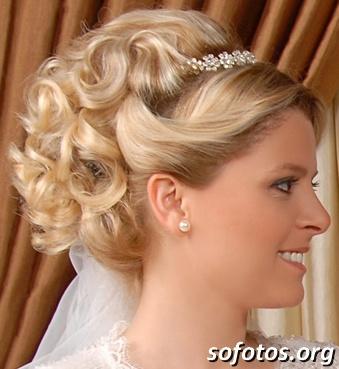 Penteado para noiva loira preso