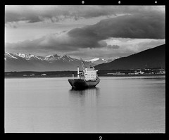 Tierra del Fuego (tsiklonaut) Tags: chile bw patagonia mountains 120 film argentina del analog ushuaia lago blackwhite ship pentax drum scanner creative scan 200 andes roll medium format analogue 6x7 fuego 67 tierra foma 11000 drumscan fomapan pmt         photomultipliertube  scanview scanmate  nonccd tulemaa