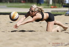 Diving for the ball (Danny VB) Tags: park summer canada beach sports sport ball sand shot quebec boulogne action plateau montreal ballon sable competition playa player beachvolleyball tournament wilson volleyball athletes players milton vole athlete circuit plage parc volley 514 bois volleybal ete boisdeboulogne excellence volei mikasa voley pallavolo joueur voleyball sportif voleibol sportive celtique joueuse bdb tournois voleiboll volleybol volleyboll voleybol lentopallo siatkowka vollei cqe voleyboll palavolo montreal514 cqj volleibol volleiboll plageceltique