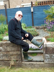 Gardening 015 (Glimmer Rat) Tags: wellies rubberboots gummistiefel wellingtons gumboots rainboots