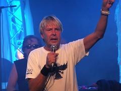 Matti Nyknen sings (Lalallallala) Tags: celebrity suomi finland gig sing savo savolax mattinyknen kiuruvesi easternfinland pohjoissavo
