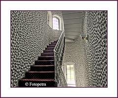 Schloßbesichtigung (petra.foto busy busy busy) Tags: canon licht fenster treppe turm treppenhaus aufgang schlos fensterlicht fotopetra