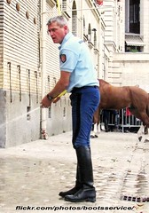 bootsservice 13 4247 1 (bootsservice) Tags: horses horse paris army cheval spurs uniform boots military gloves cavalier uniforms rider cavalry militaire weston bottes riders arme chevaux uniforme gendarme cavaliers gendarmerie cavalerie uniformes gants riding boots eperons garde rpublicaine