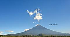 Volcn de Fuego (Click de Kika) Tags: naturaleza guatemala paisaje volcn acatenango volcndefuego erikachacn vision:mountain=0696 vision:outdoor=099 vision:clouds=0888 vision:sky=0972 elclickdekika