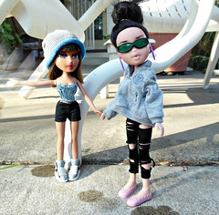Don't Kick Her Sharkeisha (Bratzjaderox) Tags: cute shark fight funny princess song jade yasmin bangs mga bratz sharkeisha
