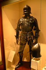 Metropolitan Museum of Art - Weapons & Armor Collection (Sabreur76) Tags: nyc newyorkcity ny newyork art museum armor themet weapons metropolitanmuseumofart vicenç feliú sabreur76 vicençfeliú nikond7000