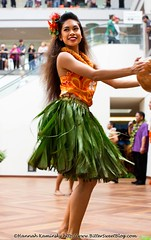 Hula Girl (Bitter-Sweet-) Tags: travel woman mall hawaii dancing oahu portait hula honolulu alamoana