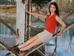 Autumn Sunset (PhotoAmateur1) Tags: жена червено бяло начинизавиждане представисичесижена