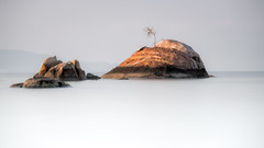 Untitled (Sandro Bisaro) Tags: longexposure sea sky seascape beach nature water sunrise canon landscape thailand store rocks meer scenic minimal kohphangan landschaft minimalistic kophangan langzeitbelichtung ndfilter ประเทศไทย leefilter เกาะพะงัน nd10 bigstopper canon5dmarkiii canon7020028iiusm sandrobisaro