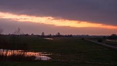 Zonsondergang omgeving Vianen (Frans Berkelaar) Tags: nature zonsondergang utrecht nederland natuur nl landschaft landschap vianen landsape