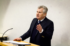 New Global Challenges: What is the Future for Europe? (roxanatodea) Tags: lecture dcu aleksander kwaśniewski