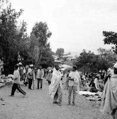 Lalibela market (Felipe Cárdenas-Támara) Tags: tlr rolleiflexjune1951march1954 rolleiflexautomat6x6modelk4a ilfordpanf50plus ethiopia etiopía lalibela felipecardenasphotography
