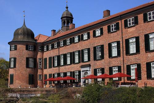 """Eutiner Schloss (14) Gartenfassade • <a style=""""font-size:0.8em;"""" href=""""http://www.flickr.com/photos/69570948@N04/26593059760/"""" target=""""_blank"""">View on Flickr</a>"""