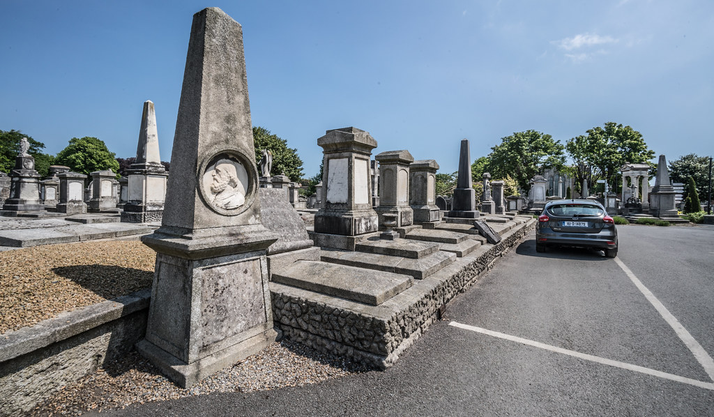 MOUNT JEROME CEMETERY AND CREMATORIUM IN HAROLD'S CROSS [SONY A7RM2 WITH VOIGTLANDER 15mm LENS]-117135