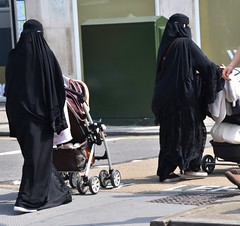 London (sfPhotocraft) Tags: england london women muslim mothers strollers 2016 birka