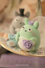 Totoro wedding cake topper (charles fukuyama) Tags: wedding cute totoro bridalveil weddingceremony sculpted cakedecoration  bridalbouquet weddingcaketopper customcaketopper claydoll handmadecaketopper kikuike