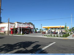 Shell/Jacksons (Portland, OR) (TheTransitCamera) Tags: urban usa retail oregon portland store shell convenience jacksons