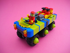 iCar (David Roberts 01341) Tags: 6x6 car truck lego space pickup rover scifi buggy snot allterrain minifigure