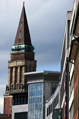 Rathausturm (05) (Rüdiger Stehn) Tags: 2016 2000er 2000s europa mitteleuropa deutschland germany norddeutschland schleswigholstein turm profanbau rathausturm altesrathaus bauwerk gebäude canoneos550d rüdigerstehn kielerrathaus kielaltstadt kielvorstadt kiel
