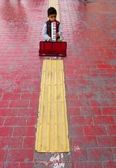 Tur-2384 (Ed Peters 286) Tags: boy musician turkey istanbul streetperformer