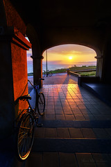 Atardecer en Arrignaga, Getxo (Mimadeo) Tags: sunset sea bike coast arch euskadi basquecountry paisvasco bycicle getxo