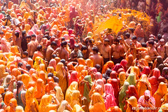 Orange effusion (Jakob Kolar) Tags: street travel portrait orange india water colors festival asia colours religion crowd ceremony celebration hindu indien colorfestival mathura holifestival vrindavan uttarpradesh festivalofcolours huranga