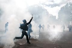 Paris - Grève Génèral (Melissa Favaron) Tags: paris riot police gas etudiant rosso parigi polizia studenti sciopero clashes feriti blackblok scontri lacrimogeni anarchici blessés scioperogenerale scioperonazionale grevegeneral loidutravail grevenational