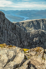 "Landscape Scotland. Magnificent and awesome. (Scotland by NJC.) Tags: scotland alba caledonia اِسْكُتْلانْدا escócia 苏格兰 škotska skotsko skotland schotland skotlanti écosse schottland σκωτία scozia スコットランド 스코틀랜드 skottland szkocja scoția шотландия mountains hills highlands peaks fells massif pinnacle ben munro heights جَبَلٌ montanha 山 planina hora bjerg berg montaña vuori montagne βουνό montagna fjell summit peak top apex brow crest ""high point"" مُؤْتَـمَرُ القِمَّة ""cimeira montanha"" 高峰会议 ""sastanak na vrhu"" topmøde cumbre huippu sommet gipfel βουνοκορφή vertice 頂上 정상 맨 꼭대기 fjelltopp"