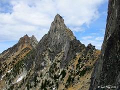 PaisanoBurgundy_130622_040 (steph_abegg) Tags: mountains northcascades 2016