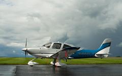 N380LD Cirrus, Scone (wwshack) Tags: scotland scone cirrus perthairport egpt sconeairport n380ld