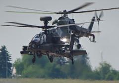 heat (E-Maxx) Tags: apache pentax helicopter heat boeing hind sn hubschrauber k3 hitze ah64 kampfhubschrauber czechairforce milmi24vhinde 203368 pentaxk3