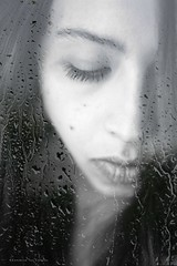 Volver a ser de repente Tan frgil como un segundo (Conserva tus Colores) Tags: chile portrait blackandwhite music blancoynegro drops lluvia doubleexposure yo gotas nostalgia dobleexposicin fragilidad violataparra volverlos17