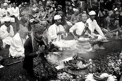 Ngertakeun Bumi Lamba #04 - Meditation (dqsetiadi) Tags: ngertakeunbumilamba sunda sundawiwitan nusantara ritual meditasi meditation blessing naturebw humaninterest journalism