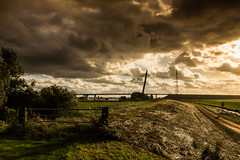 Sunset Eilandbrug Kampen (Peter Gol) Tags: road bridge sunset sun sunlight dutch clouds river landscape scenery sundown thenetherlands sunrays kampen dutchlandscape n50 sunglow dutchclouds 1585 canoneos60d eilandbrug efs1585 canoneos60d1585