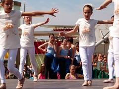 Da de la Danza (95) (calafellvalo) Tags: ballet girl youth dance fiesta child dancers danza folklore calafell tnzer nios tanz sitges baile flamenco garraf tanzen danser alegra roco juventud espectaculo danseurs costadorada calafellvalo rocieras esbarts danzadansabaileflamencoballetarmoniaolddancedancingbailarinas tanzmisik