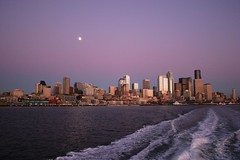 2007-01-31 Seattle and Moon 03 (zargoman) Tags: