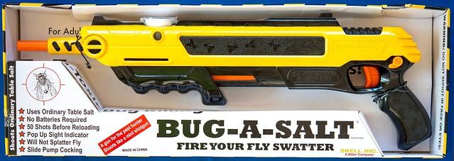 一擊必殺!鹽巴散彈槍『Bug A Salt』讓你擺脫煩人蒼蠅!