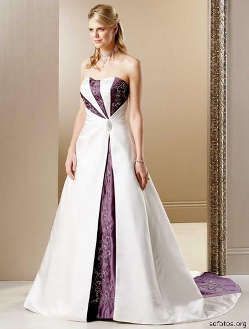 Vestido de noiva branco e vinho