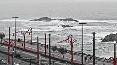 PLAYA DE RIAZOR - A CORUA (Toms Delgado Arbelo) Tags: espaa gris mar spain corua playa paisaje galicia olas riazor paisajegallego