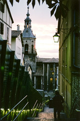 kantoia_analgica (Mikel Gasteiz) Tags: urban analog 35mm atardecer torre urbana canton vitoria analogica gasteiz doa kantoia rampas otxanda ochanda anorbin