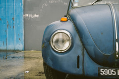 Shades of blue (Cedpics) Tags: car vw volkswagen beetle voiture wreck coccinelle wagen epave thephotographyblog