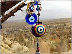 (LILI 296 ...) Tags: montagne oeil turquie paysage protection boule branche cappadoce tuf canonpowershotg16