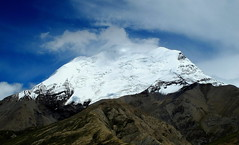 Beauty of the Himalayas (PeterCH51) Tags: china blue sky white mountain snow ice nature clouds landscape scenery tibet glacier himalaya himalayas gyantse 5photosaday gyangze peterch51 flickrtravelaward noijinkangsang lhagoikangri norinkang roads307