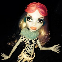 Abbey Art Class (MyMonsterHighWorld) Tags: art abbey monster high doll class mattel 2014 bominable uploaded:by=flickrmobile flickriosapp:filter=nofilter