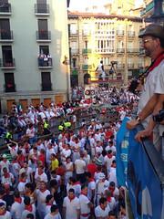 San Fermin Balcón Encierro Mercaderes 06 (Destino Navarra) Tags: pamplona navarra sanfermin encierro mercaderes balcón