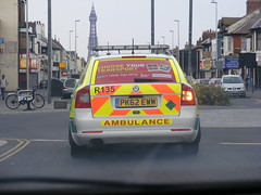 3157 - NWAS - Skoda Octavia RRV - PK62 EWM - Blackpool Town Centre - 15 April 2014 - DSCF9195 (Call the Cops 999) Tags: uk england west tower car town estate 21 britain centre united great north kingdom ambulance led vehicles health national nhs gb april vehicle service monday emergency 112 chevron blackpool rapid services battenburg skoda octavia response 999 tourer 2014 chevrons lightbar nwas r135 rrv respone ewm dscf9195 pk62
