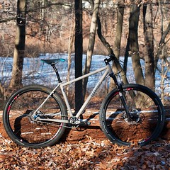 Riding when it is cold has its challenges, but taking photos when it is 14 degrees with a wind chill below zero has a whole other set of challenges.  #weavercycleworks #custombicycles #notsummer #ss4life #singlespeed #29er #mtb